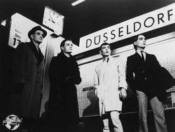 Kraftwerk_promo_photo_1977_500